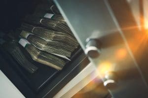 Will cash burn in a fireproof safe?
